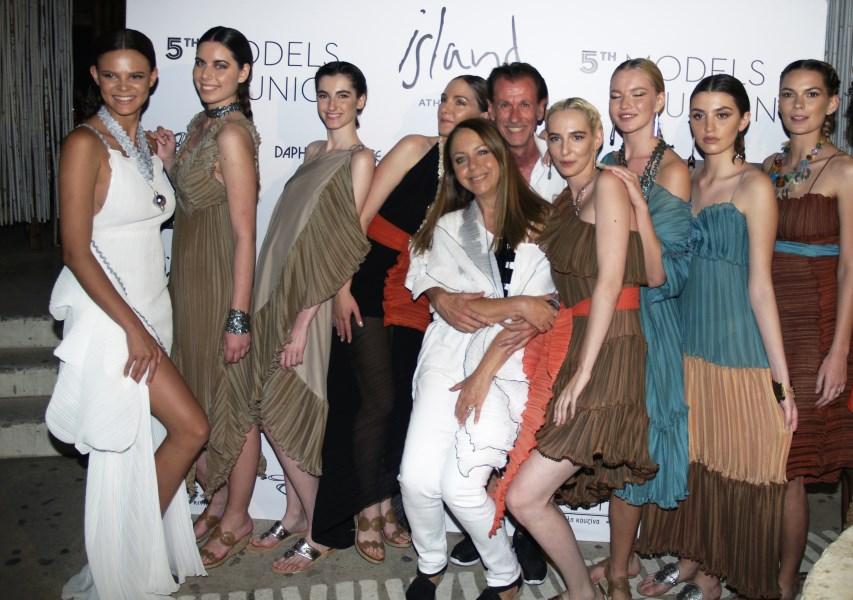 Στο fashion show συμμετείχαν πανέμορφα μοντέλα από την Ελλάδα και το εξωτρικό.